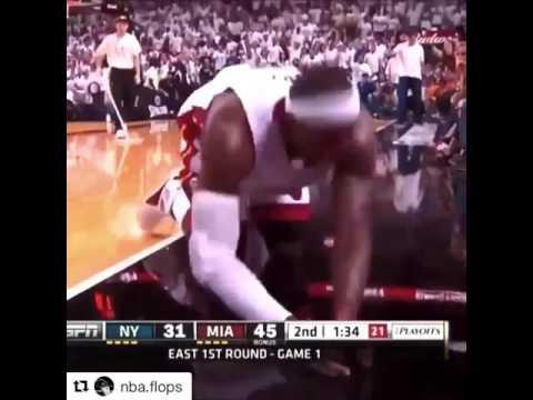 LeBron James Knee cramp while one the heat