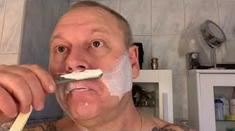 Shaving with my recently pinned and honed Pe We SUOMI razor 🤘😃🤘