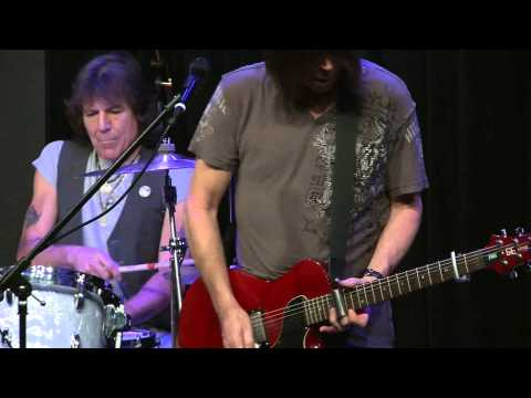 The Pat Travers Band - Red House (Bing Lounge)