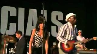 The Specials with Amy Winehouse - You're Wondering Now /Live
