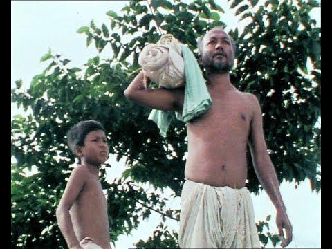 Halodhiya Choraiye Baodhan Khai(1987) // ব'ল আগুৱাই ব'ল হেৰ' খেতিয়ক ভাই // Jahnu Barua Special