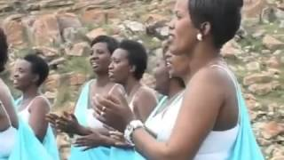 Reka mvuge ibigwi by'Umukuzi    YEZU AKUZWE mu ndirimbo