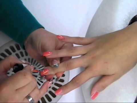 Vylet-Nails UV Nagellack Anleitung mit Nailart Pünktchen | nded.de