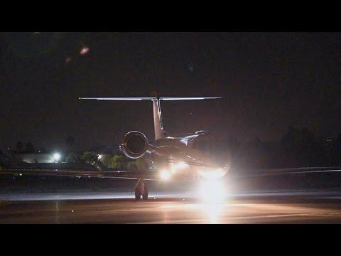 Gulfstream GV Night Landing & Taxi (VNY)