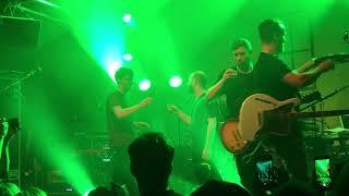 Revolverheld - Darf Ich Bitten (live), Hamburg 22.05.2018 (Johannes wirft mit Eiswürfeln)