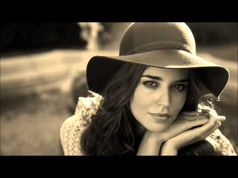 Clara Alonso. Video Slide Show.   Patsy.