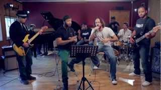 """Boss AC & Gabriel O Pensador - """"Um Brinde à Amizade"""" - Oficial"""