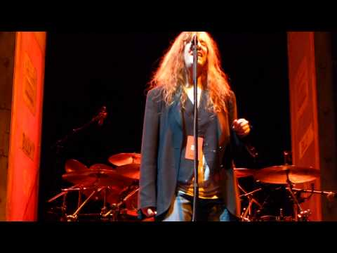 Patti Smith - Fuji-san - Madison Square Garden, New York NY US - center rail HD