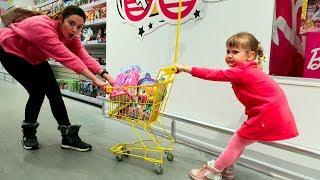 Nastya Play и Мама Играют в Магазине  покупают игрушки