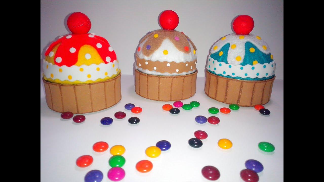 Cupcake con latas de at n youtube - Manualidades faciles con latas ...