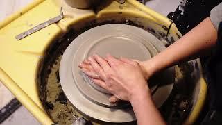 Keramiikka - lautasen dreijaaminen