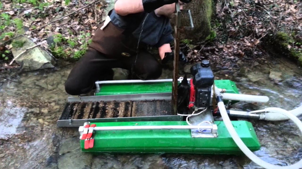 Small Gold Mining Dredges : Gold prospecting cleaning the dredge youtube