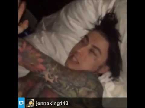 Some funny clips of Ronnie RadkeFalling In Reverse