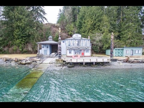 Majestic Oceanfront Property in Gardiner, Washington
