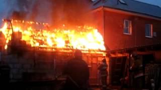 Пожар в частной бане(Спасатели торопятся ликвидировать возгорание бани в Витебске., 2013-11-14T08:46:05.000Z)