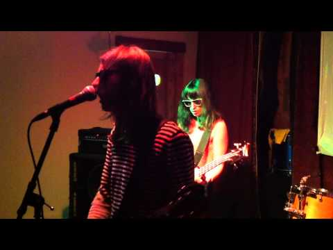 Colleen Green - I Wanna Be Degraded mp3