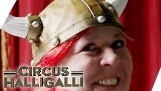 Circus HalliGalli Aushalten: Nicht lachen Vol.2 Teil 2 | ProSieben thumbnail