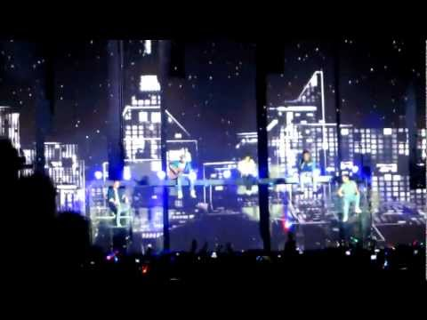 Little Things - One Direction @ O2 Arena, London HD