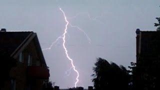 Blixtnedslag i slow motion 30 juli 2014 / Lightning in slow motion on July 30, 2014