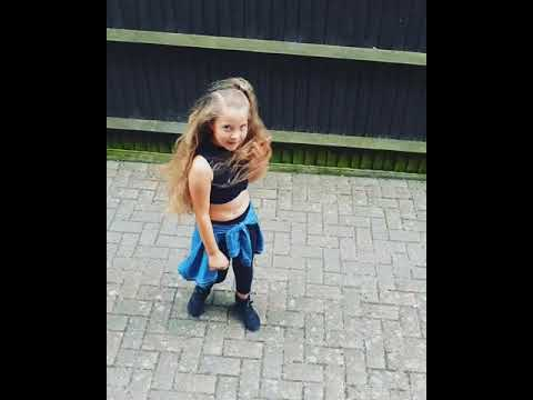 Lilah Lils Moves does #inmyfeelingschallenge