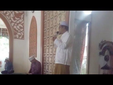 Doa dipimpin mas Bani untuk melepas keberangkatan ibadah haji ke tanah suci..