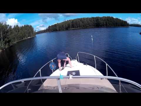 Boating on a 31 foot flybridge (HD)