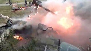 Видео аварии  Военный вертолет разбился во время «Авиамикса» под Рязанью(, 2015-08-02T09:51:53.000Z)