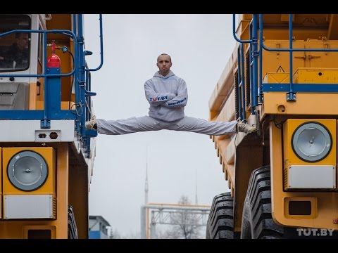 Belarusian Stuntsman Advertises National Cars As A Boss!