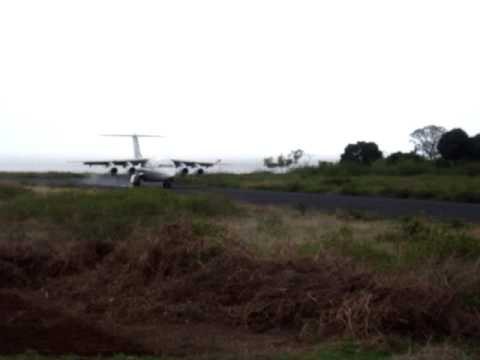 BAe 146 Landing at Anjouan (Comoros Islands)