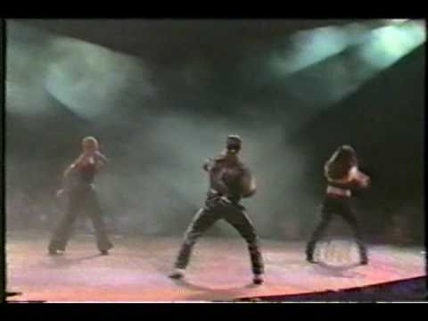 Onda Vaselina - Promo + Intro + Tus Besos (Auditorio Nacional '98) P.1
