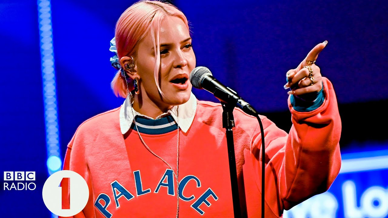 Anne Marie To Be Young Live Lounge Month 2020 Youtube