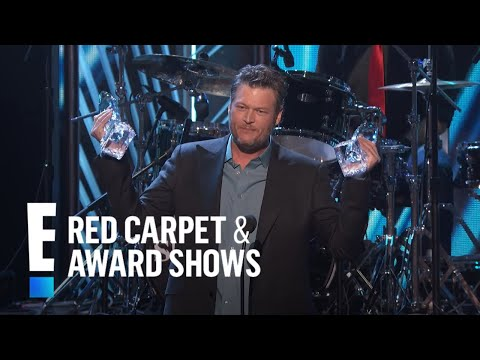 """Blake Shelton accepts The People's Choice award for """"Favorite Album"""""""