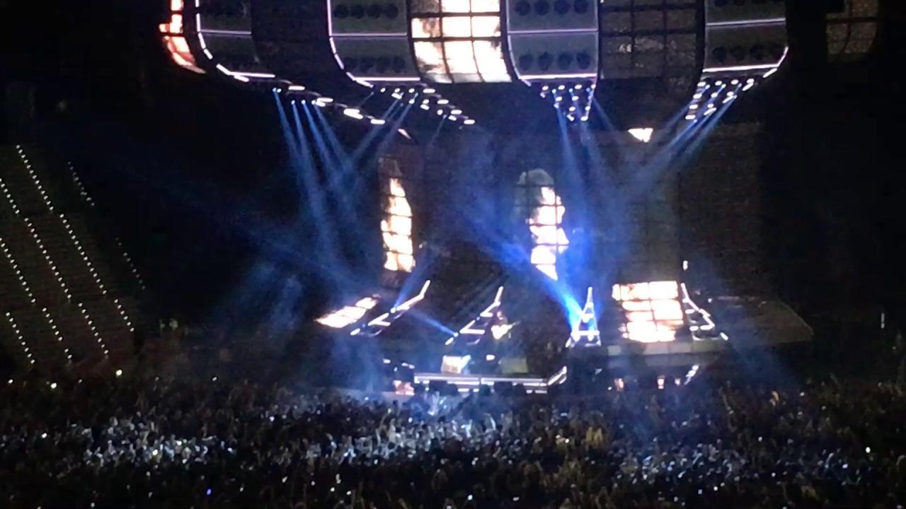 Ed Sheeran Divide Tour Stage