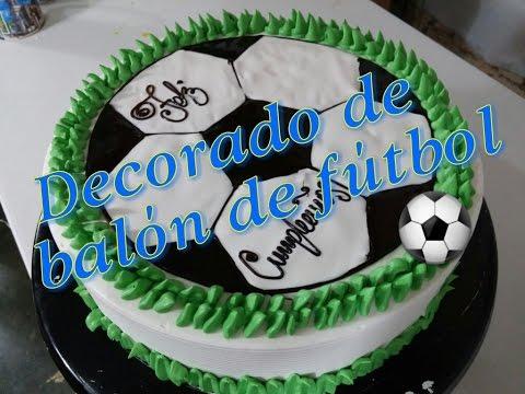 Pastel decorado de balón de fútbol ⚽