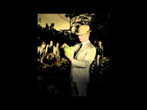 Gaelic Storm -- Cyclone McClusky(HD audio)