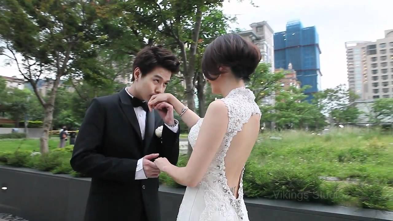 2011 李易 & 六月(婚禮) - YouTube