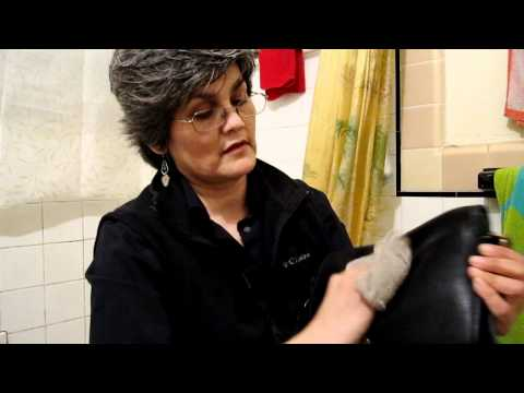 How to clean a coach leather handbag