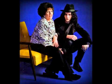 Jack White & Wanda Jackson - Thunder On The Mountain (Bob Dylan cover)