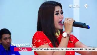 Dangdut Koplo Annyco   Fenny Penelophe   Dek Lastri Despacito   Live Honda Pati Jaya Agustus 2017