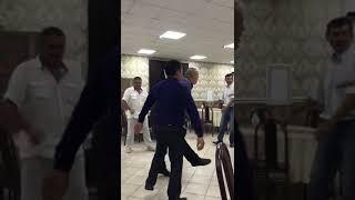 Каблучками топ топ топ)