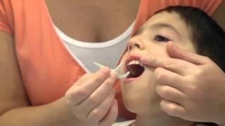 Utilisation de la soie dentaire