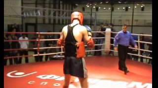 Тайский бокс.Александр Лаврушин 74 кг.1 раунд.mp4
