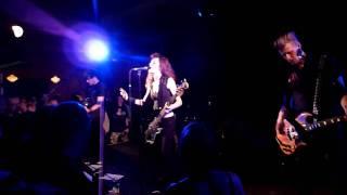 Melissa Auf der Maur - Lightning Is My Girl (live München 59:1 06.12.2010)