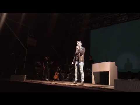 Axel habló y cantó tras la denuncia por abuso sexual