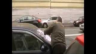 Как нужно правильно парковать свой автомобиль(Очередной прикол. Если Вы не правильно паркуете свой автомобиль, то ОНИ могут подойти и к Вам..., 2014-10-12T09:19:04.000Z)