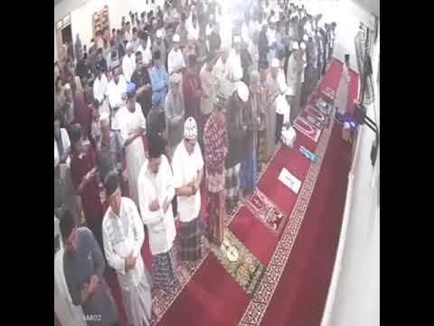 Earth Quick In Indonesia During Prayer Must Watch