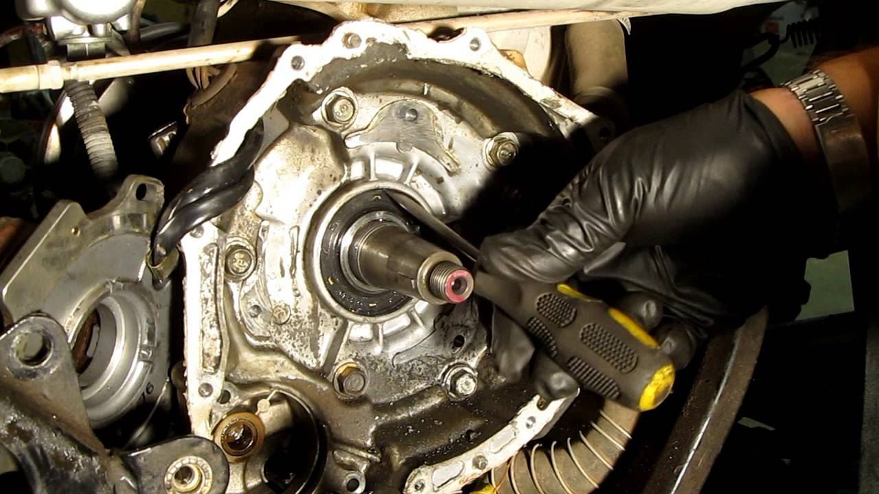 Replace the Crankshaft Seals on your ATV - YouTube
