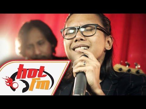 DRAMA BAND - BIARKANLAH (LIVE) - Akustik Hot - #HotTV