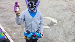 幼稚園児が仮面ライダーローグに変身!!公園になりきりグッズを持参して変身!!