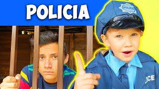 Alena y Pasha juegan a la policía - colección de videos divertidos para niños